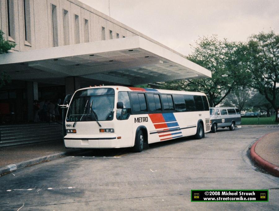 Houston METRO GMC RTS Buses @ streetcarmike com
